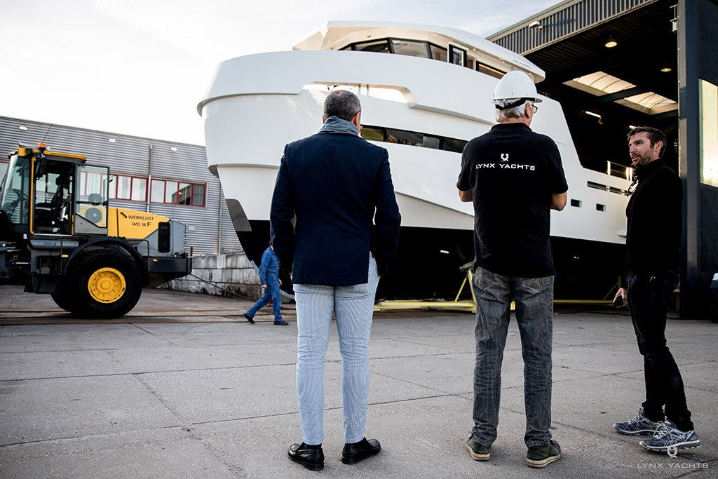 Support yachts shipyard