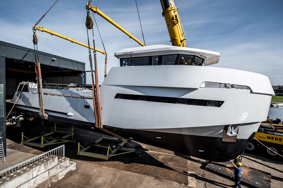 LYNX YACHTS LAUNCHES THE FIRST YXT 24 EVOLUTION